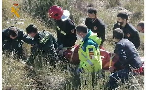 Sucesos.- La conductora accidentada que pasó la noche atrapada en su vehículo, trasladada al hospital de Hellín