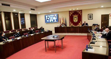 La Junta Local de Seguridad y el sector del Comercio ponen en común medidas ante la situación epidemiológica de la ciudad