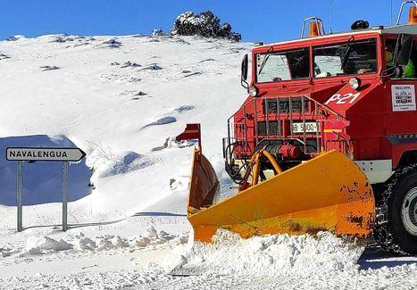 La Diputación de Albacete actúa en más de 1.800 km de la Red Provincial de Carreteras para paliar los efectos de la nieve y el hielo durante este fin de semana