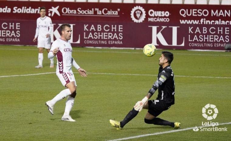 1-1. El Albacete arranca el año con un pobre empate en el Carlos Belmonte frente el Málaga