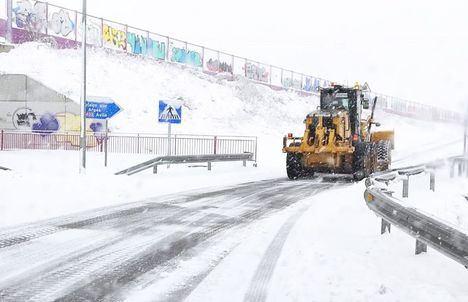 El 77 por ciento de la Red Regional de Carreteras está afectada por la nieve y el hielo que está dejando la borrasca 'Filomena'. La provincia más afectada ha sido Albacete