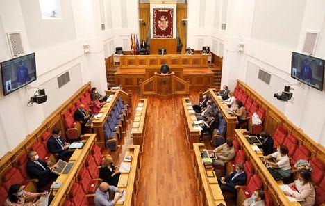 Junta, PSOE y Ciudadanos perfilan el acuerdo de reparto de 65 millones a pymes antes del pleno monográfico impulsado por PP y Ciudadanos