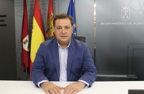 Manuel Serrano afirma que el alcalde de Albacete, Vicente Casañ, ha protagonizado un año carente de ideas, iniciativas y solo ha rematado algunos proyectos iniciados por el PP