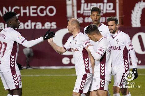 1-0.- Agónico triunfo del Albacete ante el Zaragoza que se estrelló con los palos