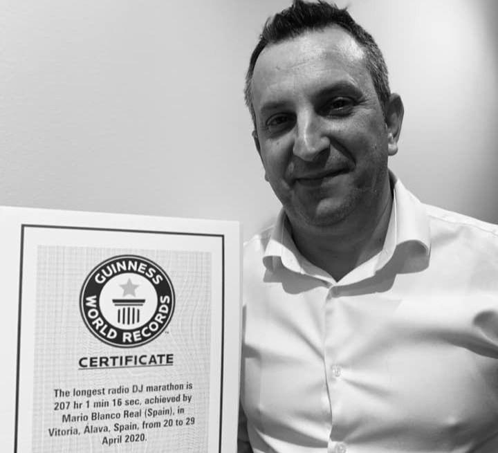 Mario Blanco y Radio 4G entran en el libro Guinness de los Récords