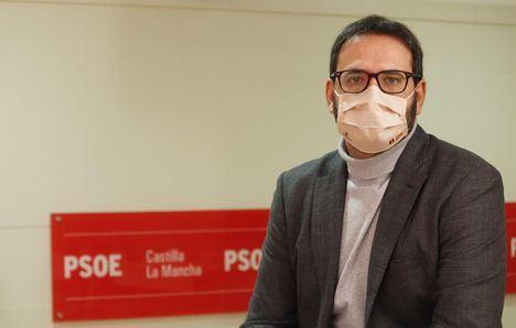 El PSOE responde a Paco Núñez tras reunirse con Ayuso: 'Se sube al coche de la kamikaze, la única que va en dirección contraria'