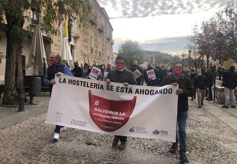 Los hosteleros de Castilla-La Mancha convocan una manifestación este miércoles en Toledo ante la prorroga de las restricciones y la Junta les pide paciencia y les da las gracias