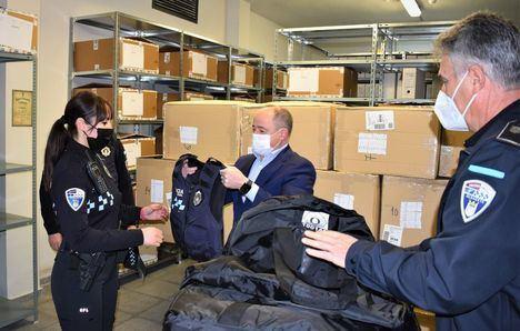 Los efectivos de la Policía Local de Albacete contarán con 203 nuevos chalecos de protección personal