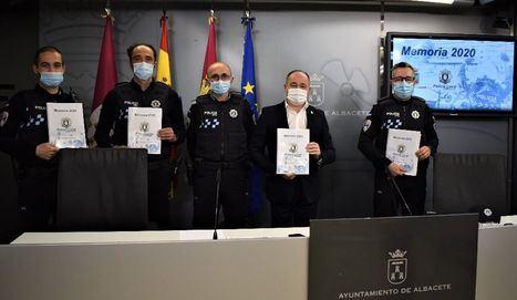 La Policía Local de Albacete cerró 2020 con 230.000 horas de servicio, atendiendo 66.569 incidentes y con el objetivo cumplido de acercarse a la ciudadanía a través de las nuevas tecnologías