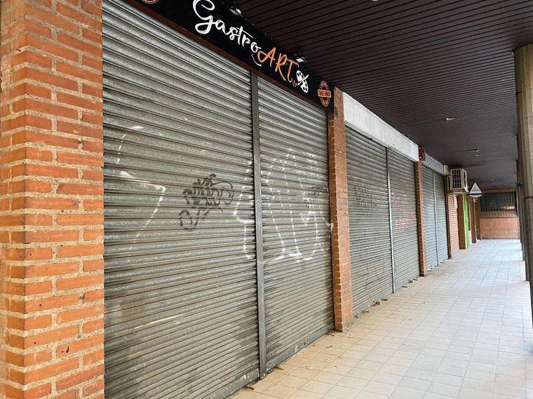 Los cascos históricos de Castilla-La Mancha asisten al declive de sus comercios con pérdidas del 90%, cierres temporales o venta de locales