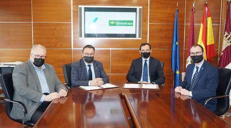 ADECA rubrica un nuevo acuerdo de colaboración con Globalcaja para ofrecer condiciones ventajosas a sus asociados
