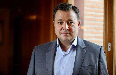 El Partido Popular exige explicaciones urgentes y convincentes de Casañ tras constatar documentalmente que contrató ocho campañas de publicidad con su propia empresa siendo alcalde
