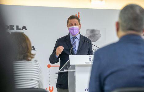 Page anuncia que Castilla-La Mancha doblará el presupuesto para el plan de empleo para llegar a los 102 millones y 15.000 puestos de trabajos