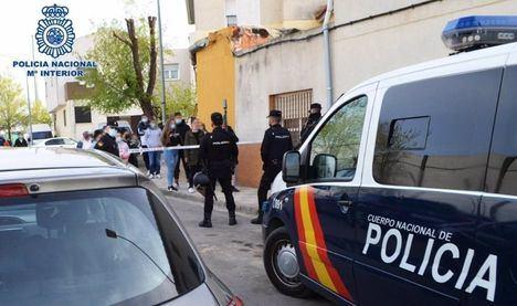 Sucesos.- Dos detenidos en Albacete por robar en una vivienda para saldar una deuda pendiente con los moradores