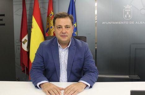 """Manuel Serrano, (PP): """"La única bandera que representa a todos los españoles y garantiza la concordia y el entendimiento es la constitucional"""""""