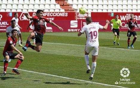 1-0. El gol de Ortuño ante el Mirandés devuelve el sueño de la permanencia al Albacete Balompié