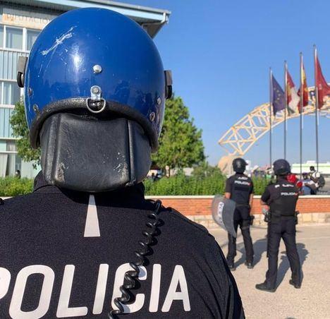 Los temporeros acusados de agredir a policías en el 'motín' del IFAB volverán al banquillo este martes en Albacete