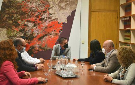 Santi Cabañero y equipo de Gobierno en la Diputación de Albacete mantienen su primera 'toma de contacto' con la nueva consejera de Bienestar Social