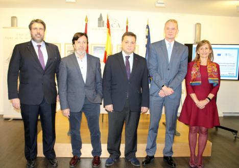 Manuel Serrano anima a las empresas y pymes de Albacete a aprovechar la financiación europea para mejorar su competitividad y generar empleo
